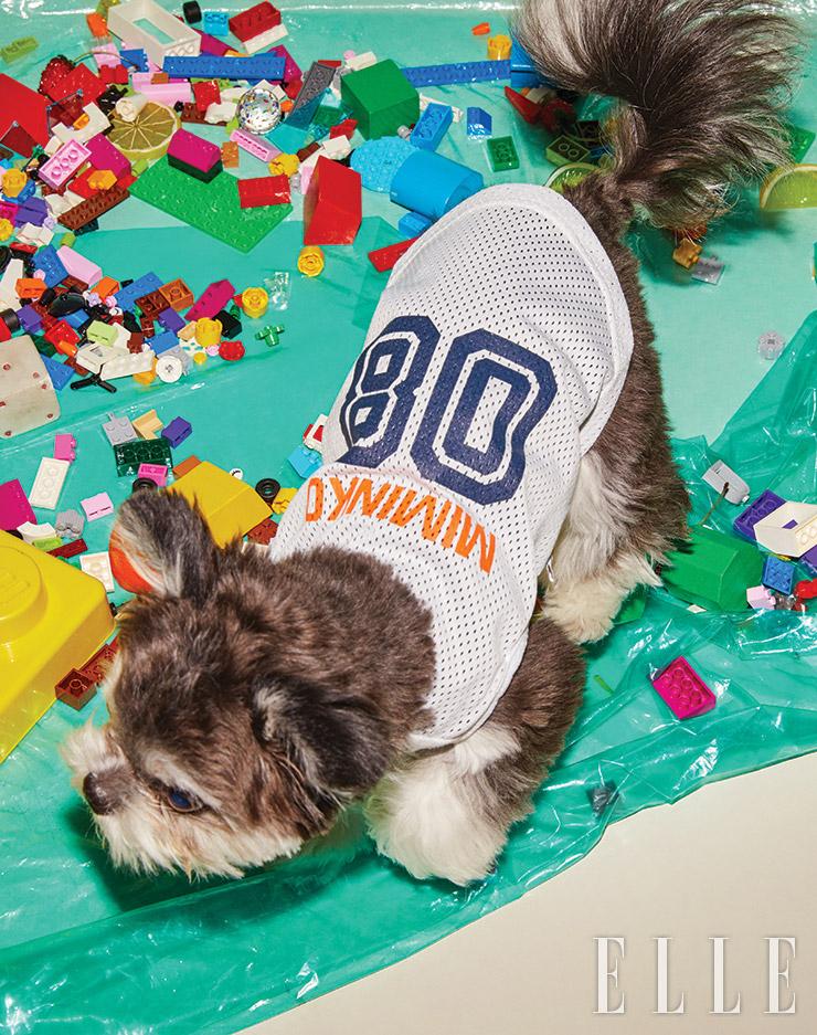 메시 소재의 스포티 티셔츠는 2만9천원, Miminko.