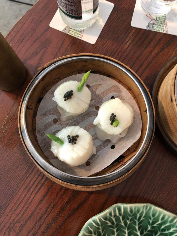 두들스(Duddle's)의 캐비어를 곁들인 새우 딤섬. 미식의 도시답게 맛있는 음식들이 정말 많다!