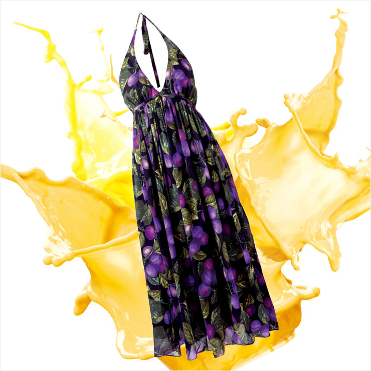 관능적인 매력을 더한 홀터넥 플리츠 드레스는 99만원, Marc Jacobs.