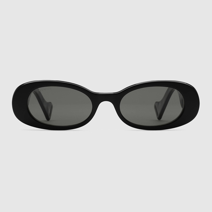 인터로킹 G 디테일의 1990년대 스타일 타원형 선글라스, Gucci.