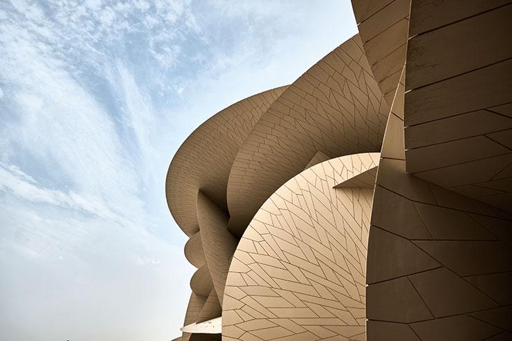 도하에 자리한 카타르 국립박물관의 곡선미.