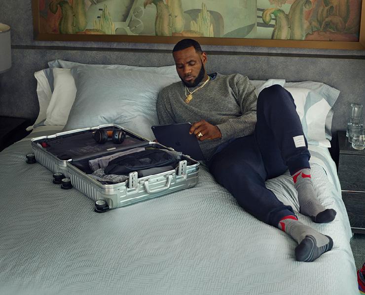 '네버 스틸 2' 캠페인의 두 번째 아이콘, NBA 농구 스타 르브론 제임스.