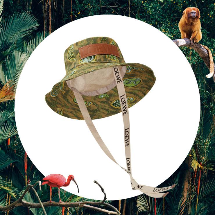 도심 속의 정글 패션을 완성해 주는 버킷 햇은 가격 미정, Loewe.