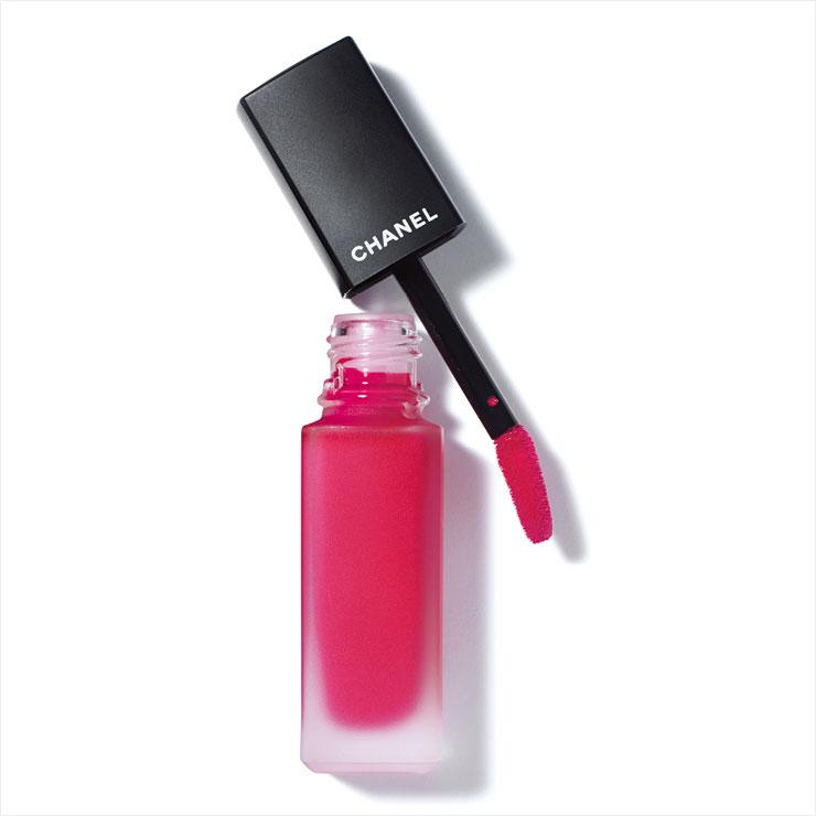 샤넬 루쥬 알뤼르 잉크 퓨전, 808 바이브런트 핑크, 4만5천원, Chanel.