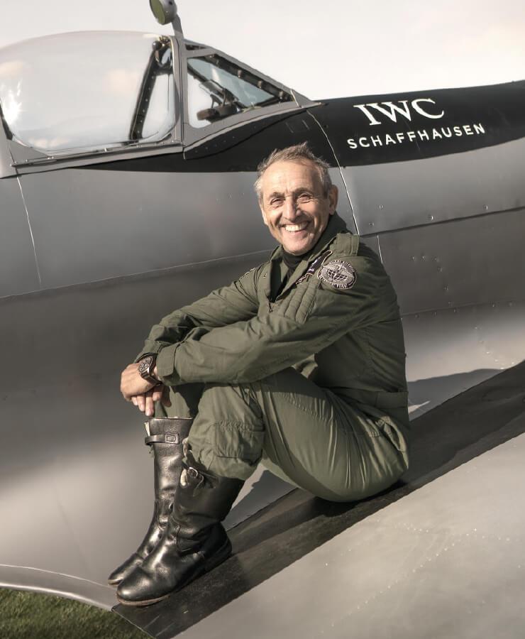 이번 프로젝트의 파일럿이자 볼트비 항공 학교 창립자인 스티브 볼트비 브룩스