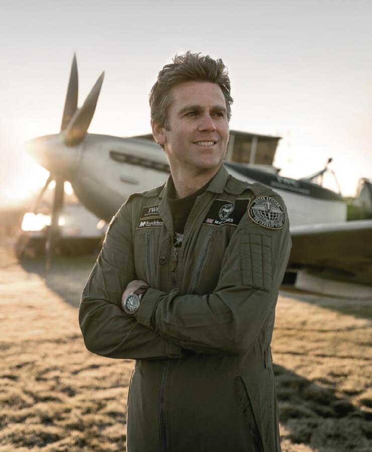 또 한 명의 파일럿 매트 존스.