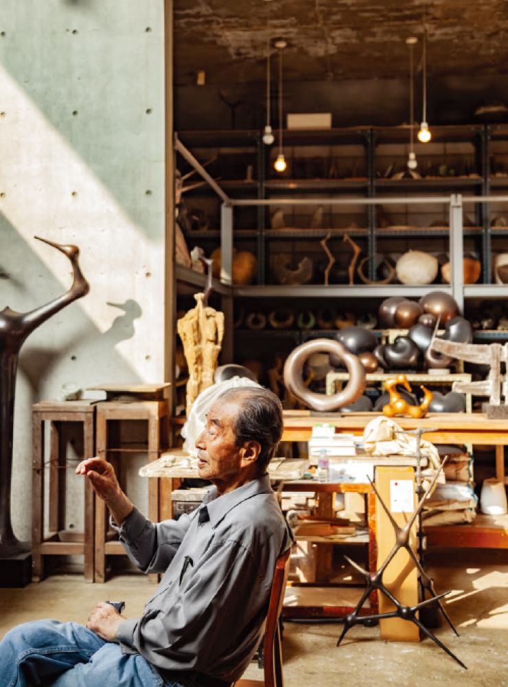 헤이리 스튜디오에서 최만린 조각가, 2019, 스톤김 사진.