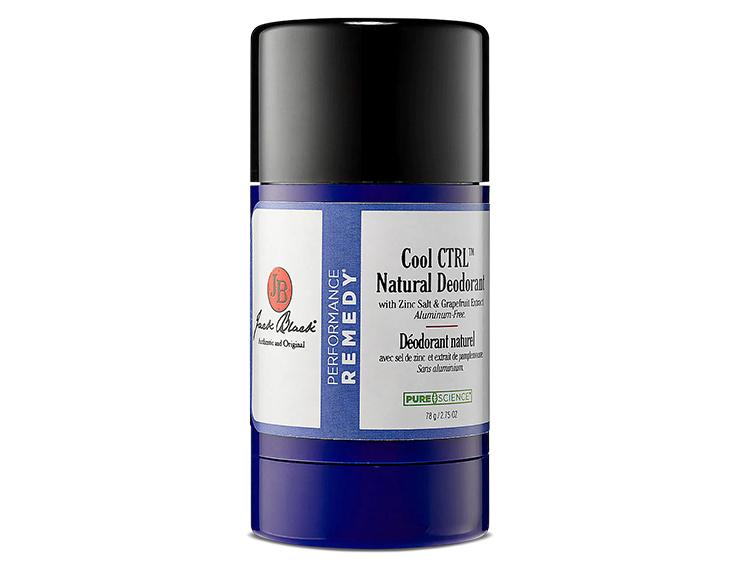 잭 블랙 쿨 CTRL 내추럴 데오도란트 알루미늄은 데오도란트를 만들 때 흔히 사용하는 성분이다. 염증의 주요 원인이기도 하고. 잭 블랙의 쿨 CTRL은 알루미늄 대신 땀 흡수를 위해 옥수수 전분으로 만든 콘스타치 성분을 사용한다.