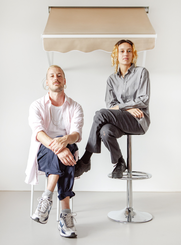 듀오 아티스트 레알 마드리드는 이탈리아 출신의 두 작가 마르코 페초타(좌), 비앙카 베넨티 오리올이 2015년 결성했다.