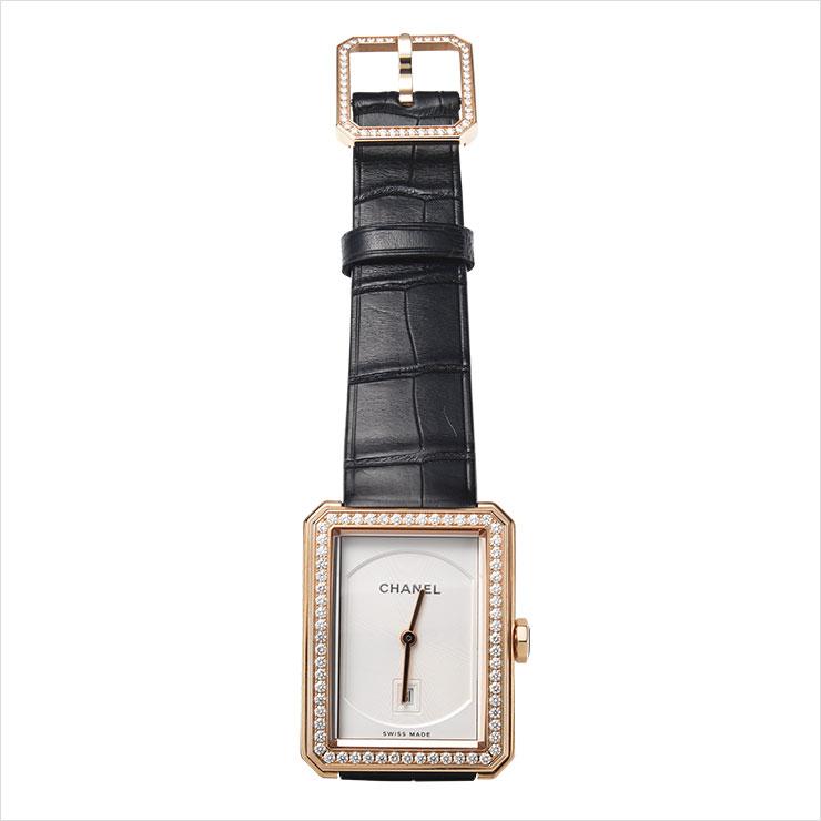 18K 베이지골드 케이스에 64개의 브릴리언트 컷 다이아몬드가 세팅된 워치는 가격 미정, Chanel Watches & Fine Jewelry.