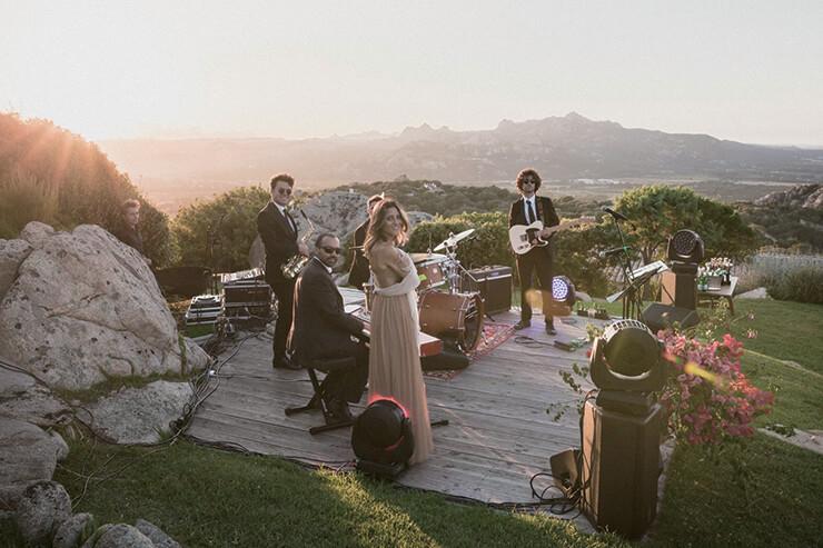 결혼식에서 다양한 음악을 담당한 뮤지션들.