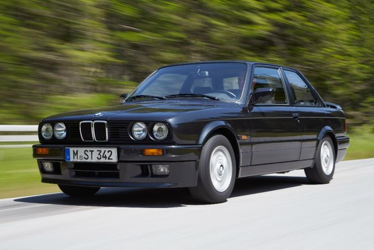 그때나 지금이나 스타일리시한 BMW 3시리즈 2세대