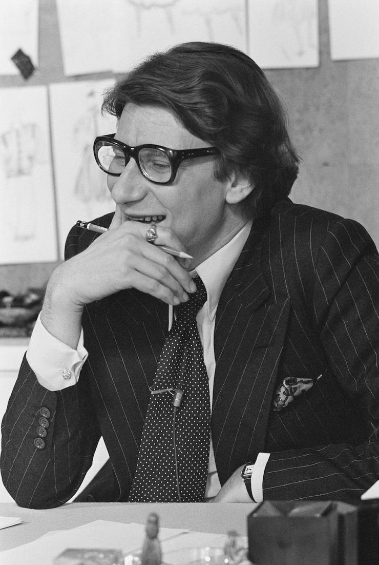 이브 생 로랑(1977)
