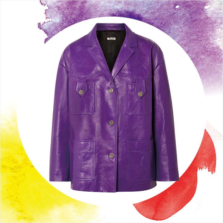스리 버튼 레더 재킷은 약 4백만원대, Miu Miu by Net-A-Porter.
