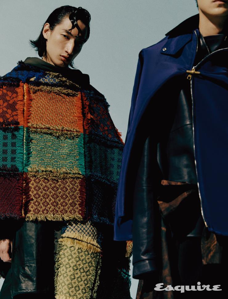 (왼쪽) 케이프 코트 가격 미정 3 몽클레르 그레노블. 가죽 코트 936만5000원 보테가 베네타. (오른쪽) 보라색 실크 재킷, 가죽 풀오버 톱, 허리에 묶은 코트 모두 가격 미정 던힐. 팬츠 가격 미정 보테가 베네타.