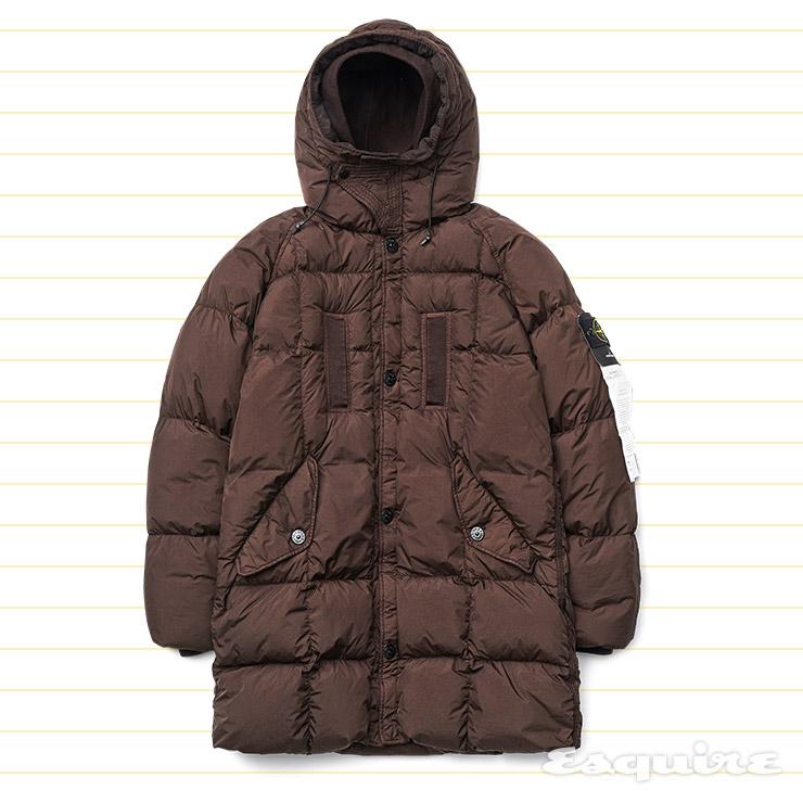 갈색 롱 다운 코트 181만5000원 스톤아일랜드.
