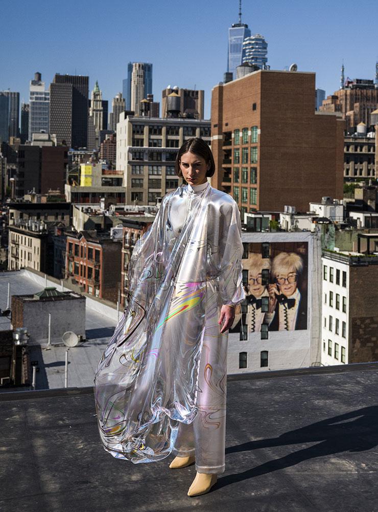더 패브리칸트의 디지털 쿠튀르 드레스 이리데센스.