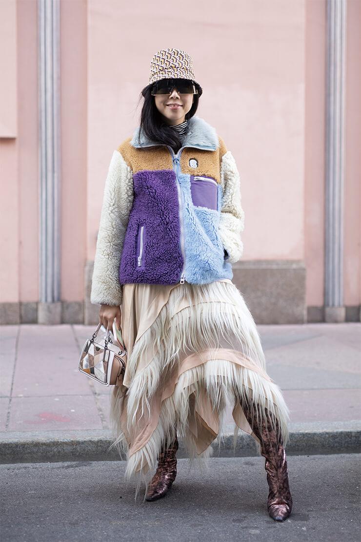 거리에서 포착한 패션 피플들의 근사한 플리스 룩.