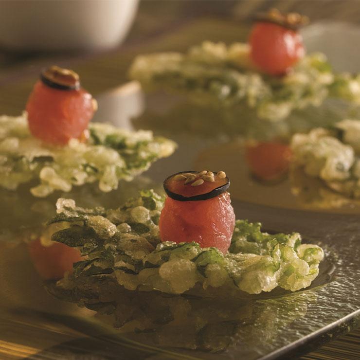 Yellowtail → 스타 셰프 아키라백(백승욱)의 일식 파인 다이닝. 참치 피자, 연어 타다키 등 퓨전 요리를 선보인다.