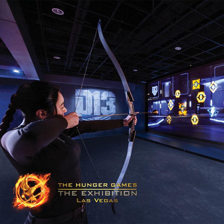 The Hunger Games : The Exhibition → 〈헝거 게임〉 팬들을 위한 테마파크. '찐덕'만 알 수 있는 디테일한 영화 정보를 활용한 퀴즈, 실제 영화 의상 전시 공간 등으로 구성돼 있다. 특수 제작된 화살을 쏘며 적을 물리치는 훈련장이 하이라이트다.
