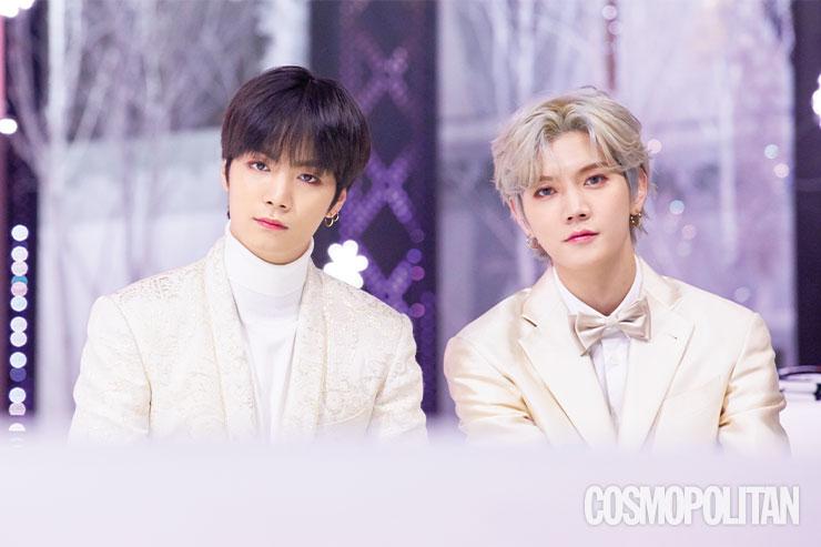 화이트 의상으로 맞춰 입고 완벽한 '겨울 왕자' 모먼트를 보여주는 JR과 렌.