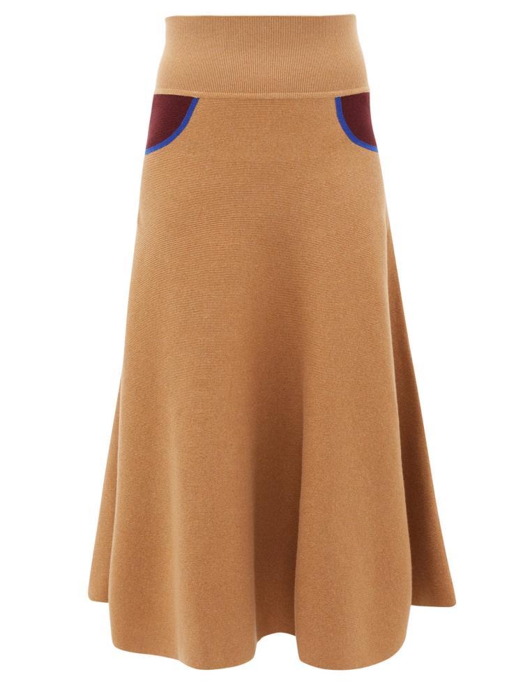 허리에 포켓처럼 배색 포인트를 준 A라인 캐시미어 스커트는 1백20만원대, Loewe by matchesfashion.com.