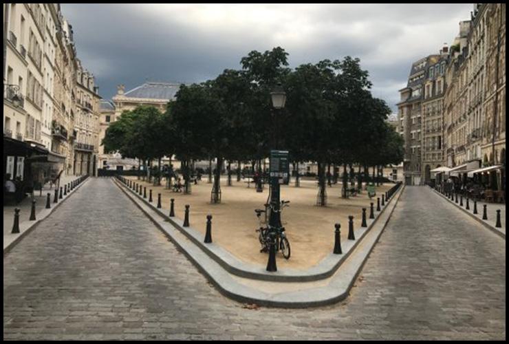 LOUIS VUITTON AT PLACE DAUPHINE, PARIS