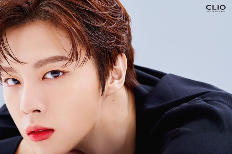 '클리오'의 모델이 된 업텐션의 김우석