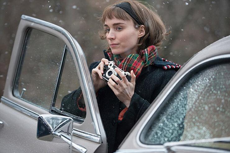 영화 〈캐롤〉 속 테레즈(루니 마라)는 비비언 마이어를 모티프로 삼았다.