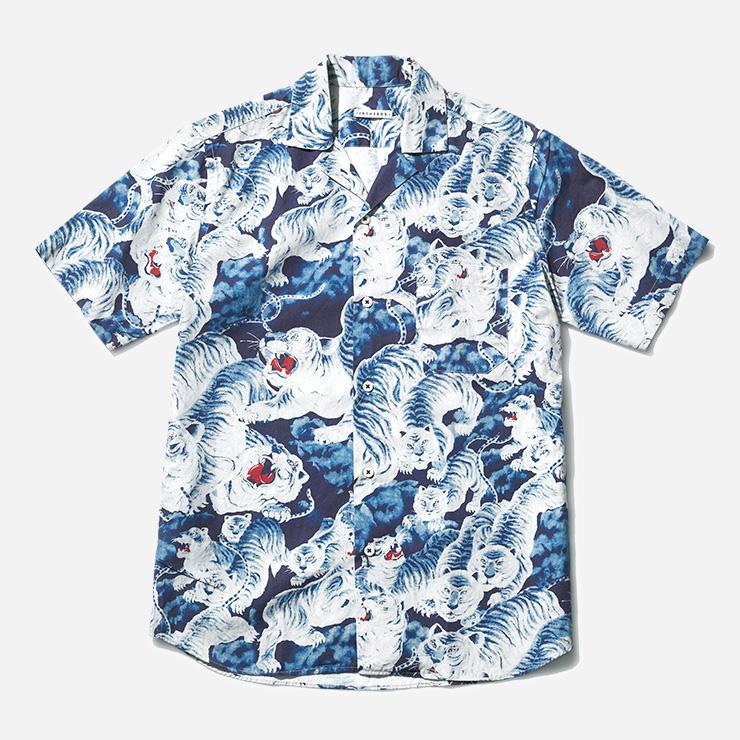 호랑이 패턴 셔츠 25만9000원 인 더 박스 by I.M.Z 프리미엄.