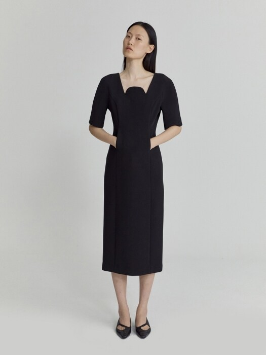 HALF CIRCLE NECK DRESS (BLACK)