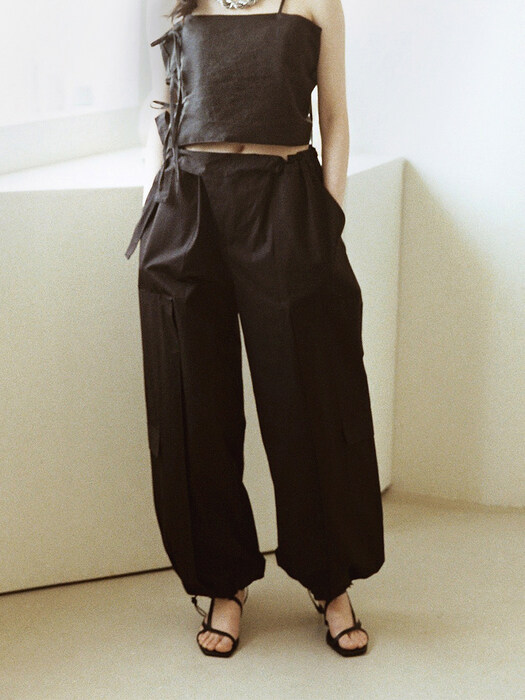 Asymmetric front trousers black