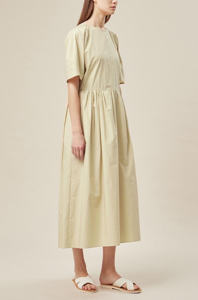 돌먼 슬리브 드레스