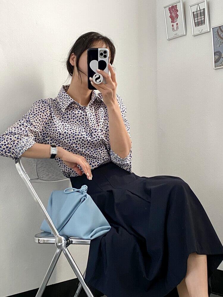 사랑스러운 하트 프린팅의 셔츠로 포인트 주기!