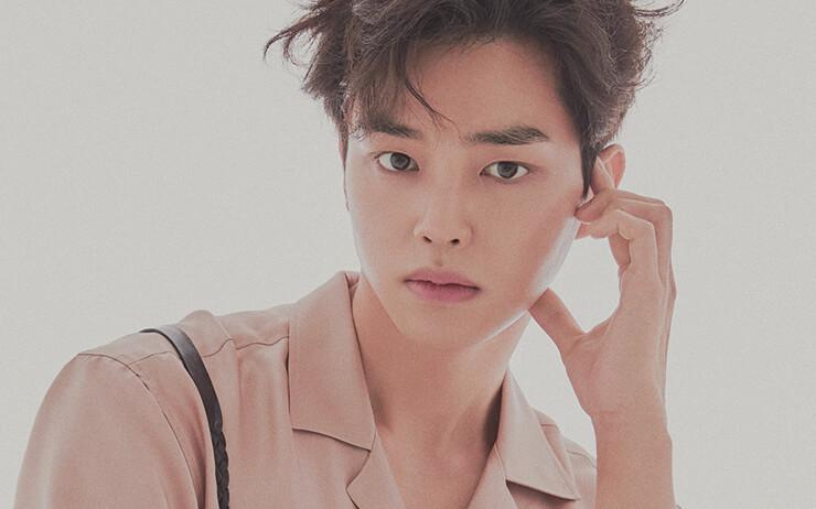 한 번 더 보고 싶고, 하나 더 알고 싶다. 배우 송강은 그렇게 사람들의 마음속에 퍼져가는 중이다.