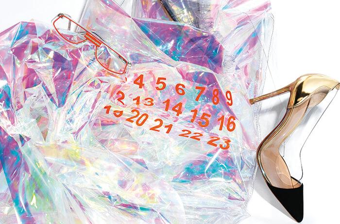 보는 것만으로도 시원하고 투명하다. '속 보이는' 투명함으로 쿨링 효과를 전하는 PVC 트렌드.