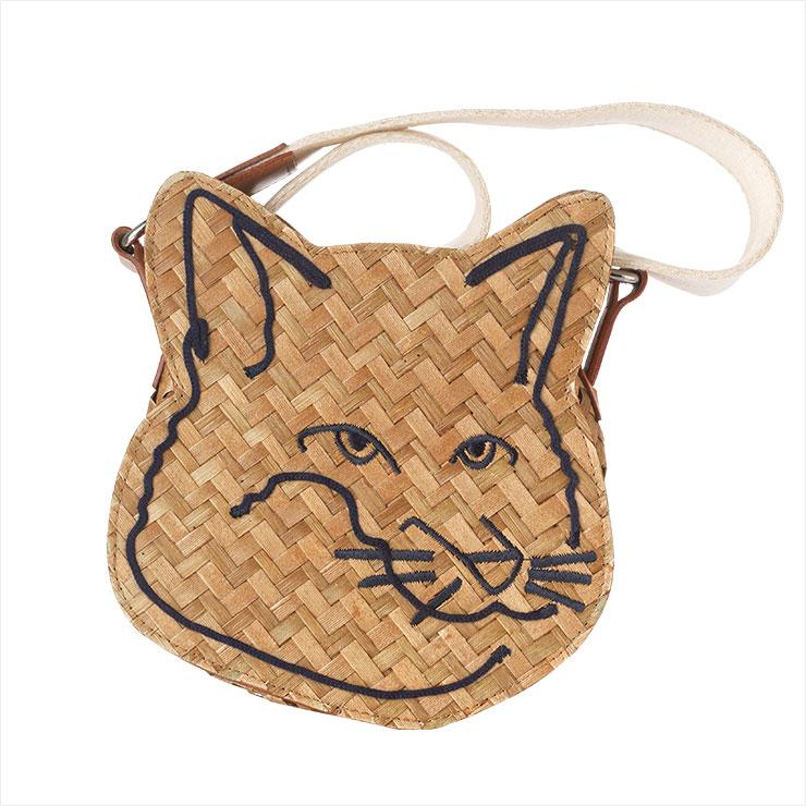 고양이 일러스트레이션이 그려진 라탄 투웨이 백은 29만5천원, Maison Kitsuné by Beaker.