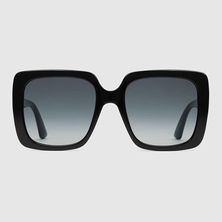 직사각형 프레임의 블랙 아세테이트 선글라스, Gucci.