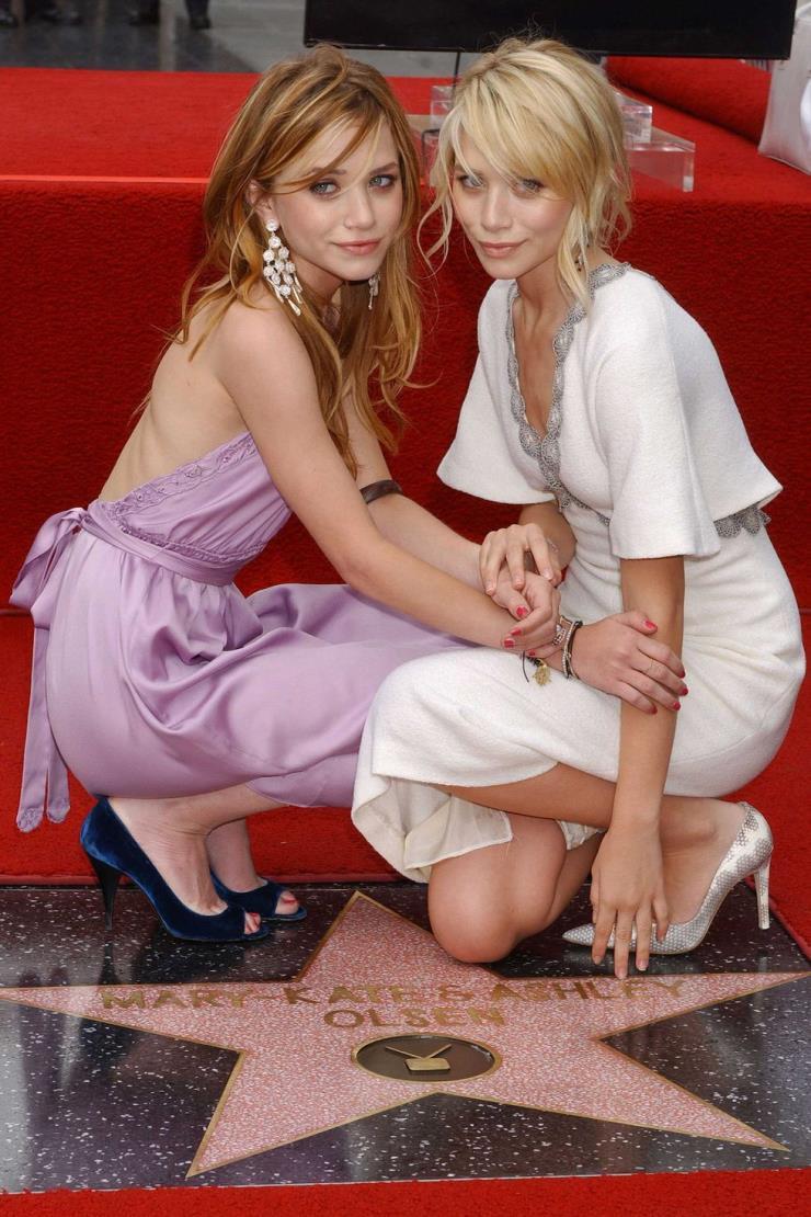 2004년 4월 29일 10대들의 우상으로 명성을 떨치던 2004년에 올슨 자매는 할리우드 명예의 거리에 이름을 올렸다.