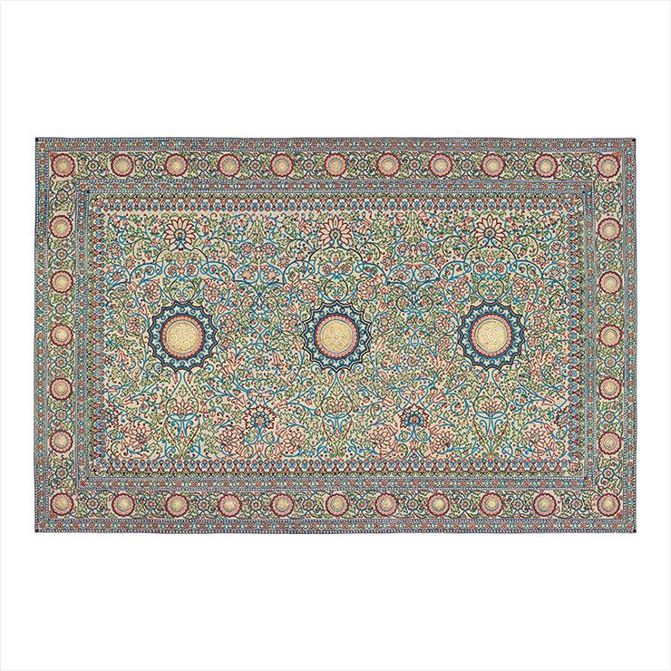 바로다의 진주 카펫이 박물관 컬렉션에 포함돼 있다.