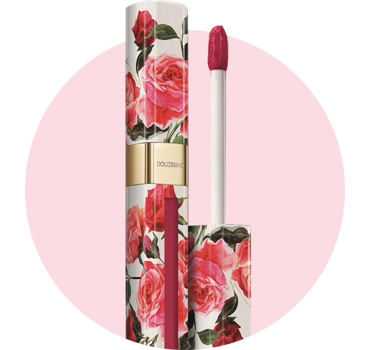 로즈 패턴의 패키지로 론칭 전부터 화제를 모은 돌체시모 매트 리퀴드 립컬러, 4만8천원, Dolce & Gabbana Beauty.
