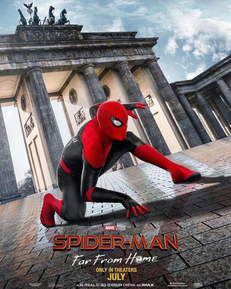영화 <스파이더맨:파 프롬 홈> 공식 포스터