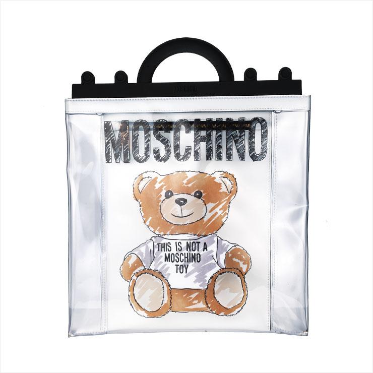 테디 베어 프린트로 위트를 더한 스퀘어 PVC 백은 1백8만원, Moschino.