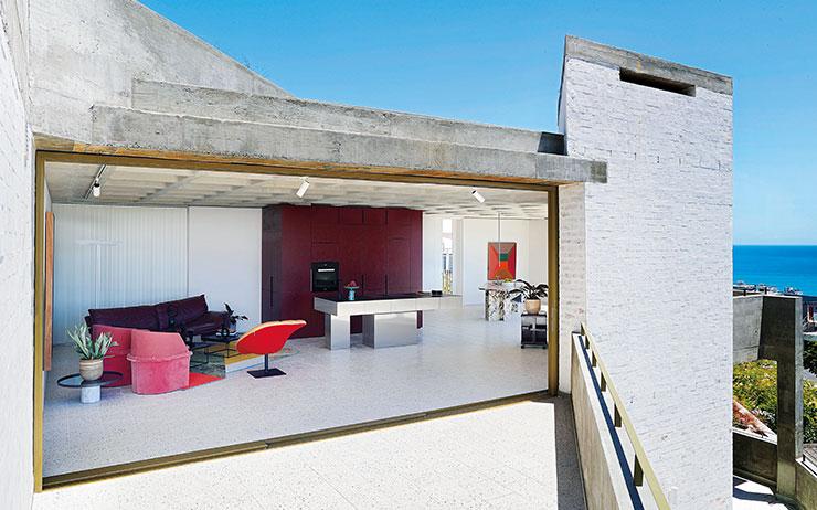 남아프리카공화국 패션 듀오의 탁월한 디자인 감각과 건축에 대한 열정은 이곳에 눈부신 효과를 가져왔다.