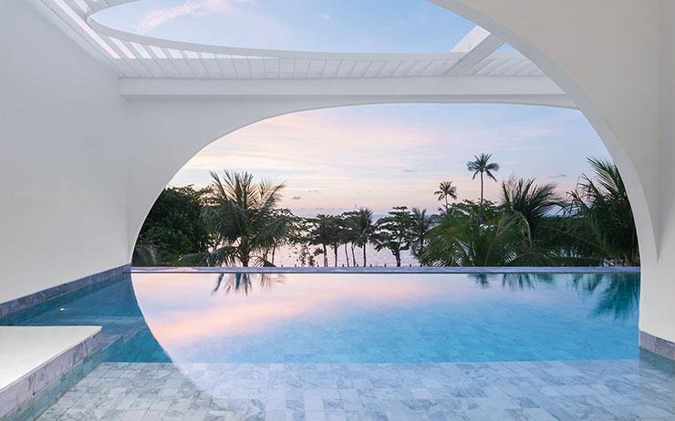 지금 당장 뛰어들고 싶은 수영장이 있는 국내외 호텔을 소개한다.