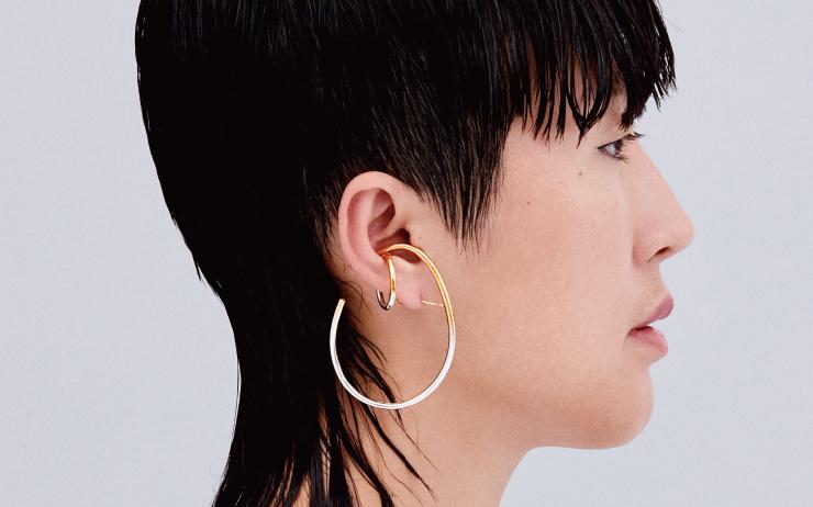 지금 <바자>가 주목하는 한국의 디자이너 레이블, 그리고 2019년의 홍진경.