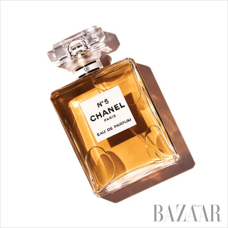 1924 Chanel 넘버 5 오 드 빠르펭 100ml 21만7천원.