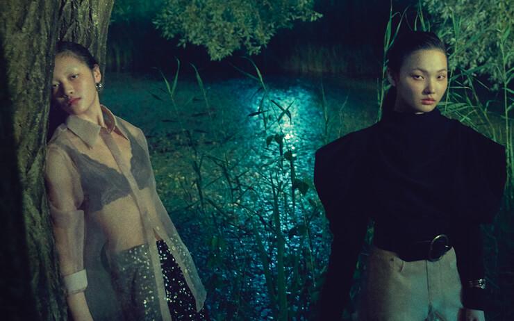 그 어떤 패션 스타일도 용감하게 시도해 볼 수 있는 여름 밤이 깊어가고 있다.