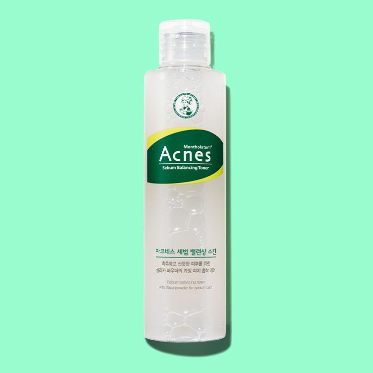 아크네스 세범 밸런싱 스킨 1만5천원▶피지와 유분기 흡착에 효과적인 칼라민, 실리카 파우더 성분을 함유한 진정 스킨. 에탄올과 멘톨을 최소화해 민감한 피부도 안심하고 사용할 수 있다.