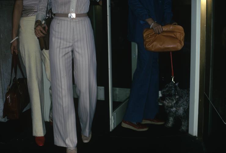 1974년 3월 1일. 보테가 베네타 컬렉션을 착용한 사람들. Photo by Arthur Elgort /Getty Images